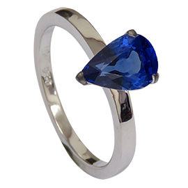 18K White Gold Solitaire Ring : 1.17 ct Sapphire