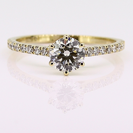 18K Yellow Gold Multi Stone Ring : 0.92 cttw Diamonds